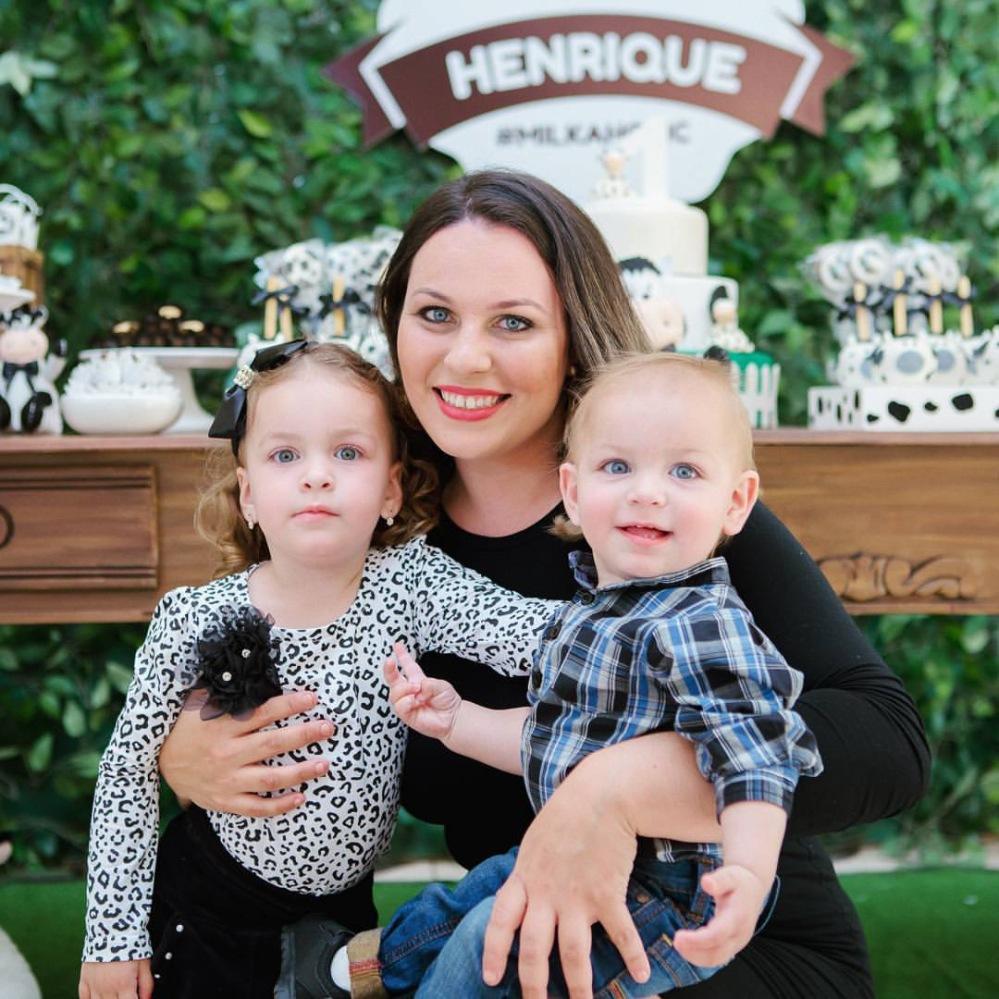 Camilla com os filhos Anna Clara e Henrique