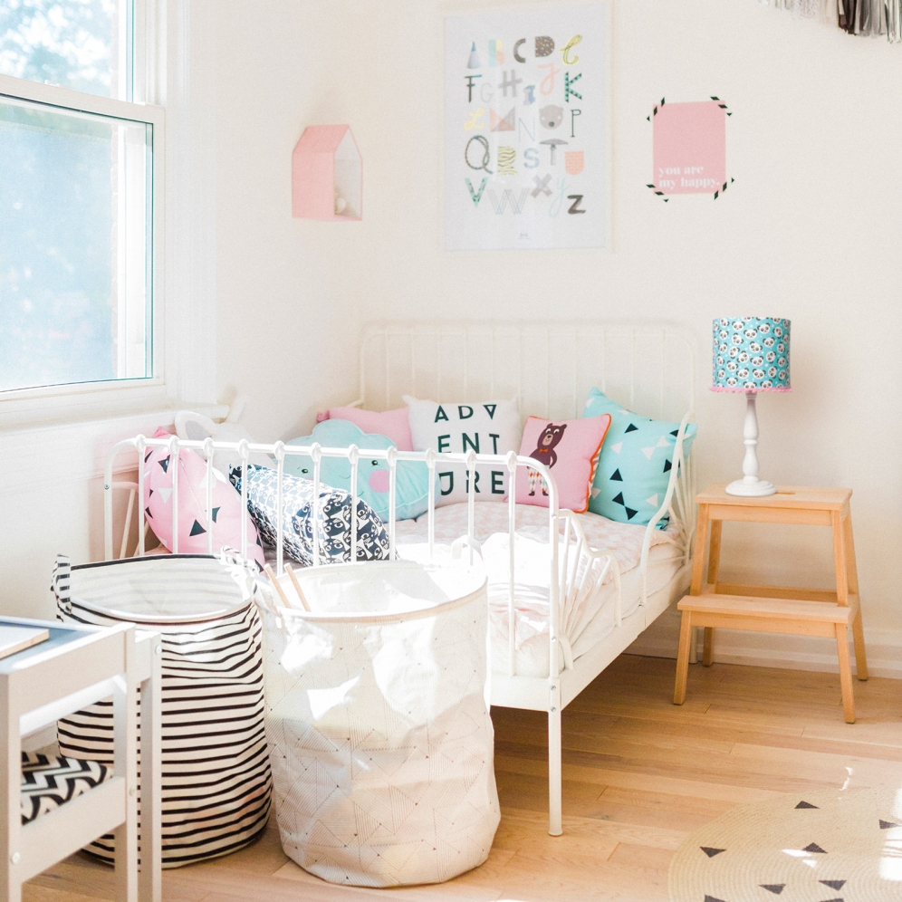 modern-pastel-shared-baby-toddler-kids-room-03